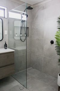 Bathroom with Plants 2