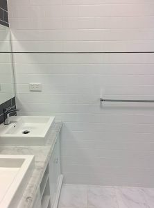 IT'S BLACK OR WHITE? GROUTING ADVICE