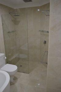 When to lay bathroom wall tiles vertically