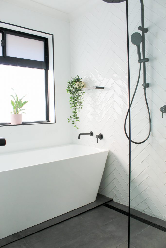 Freestanding Shower Bath
